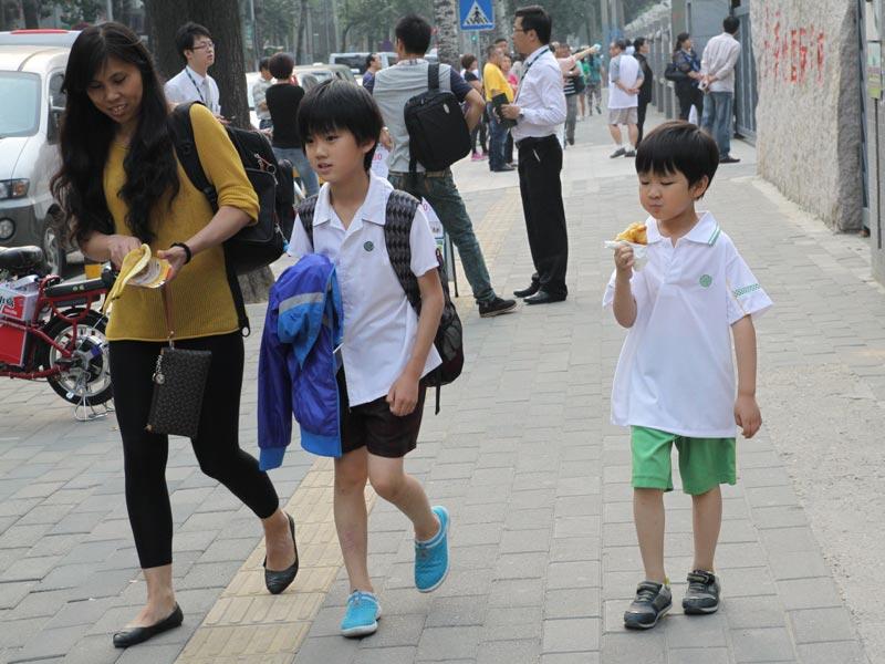 特殊移民 国际学校上学的中国孩子 - 妮子 - 妮